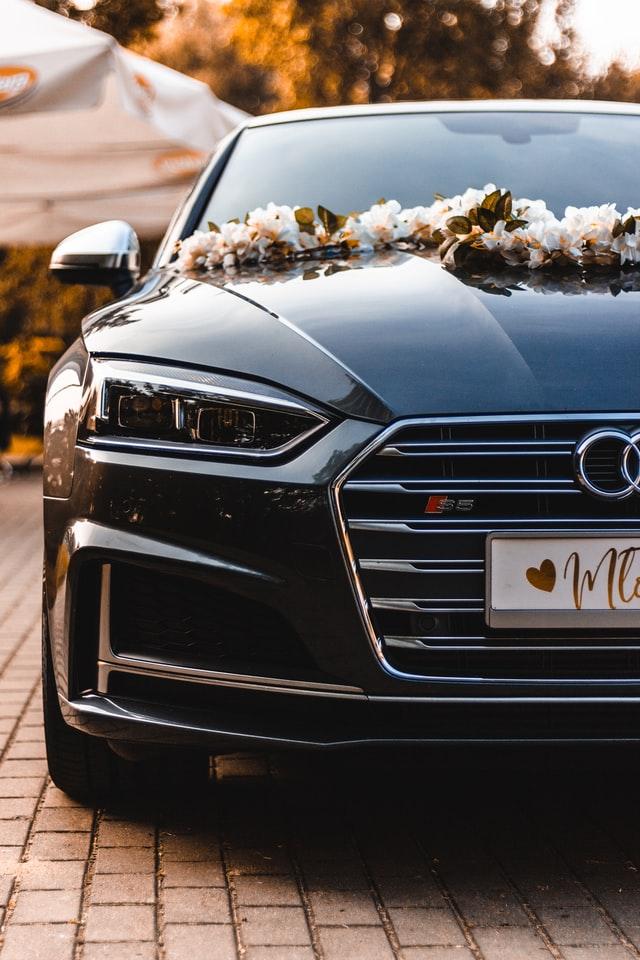 Wedding limousine in Toronto